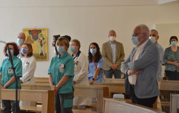 Operatori sanitari in chiesa